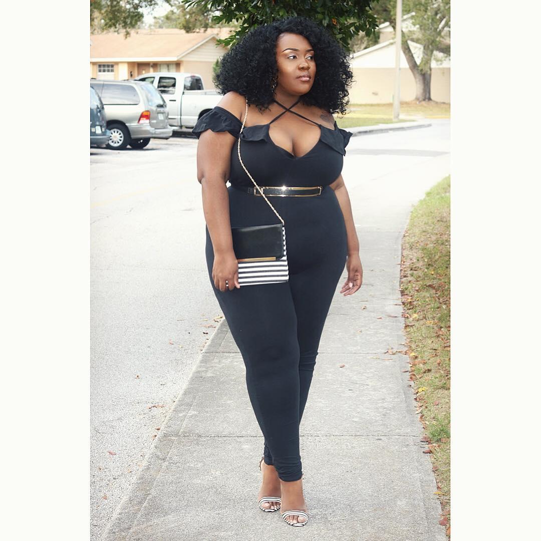 Plus size blogger Charisma Monroe lysa africa